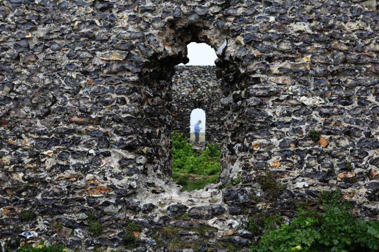 golfer, ruins, Kent