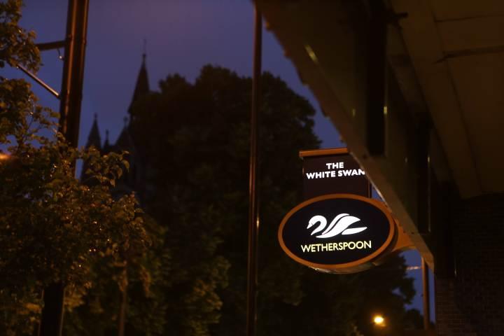WhiteSwan2