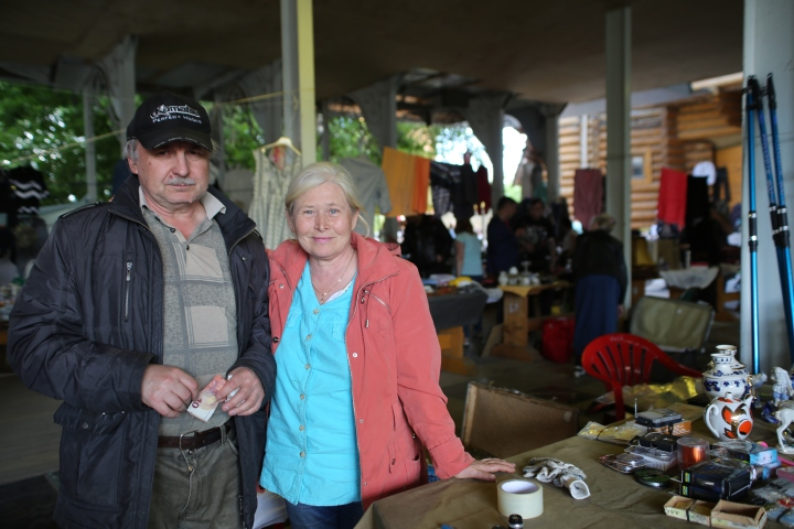 The couple who sold me the camera